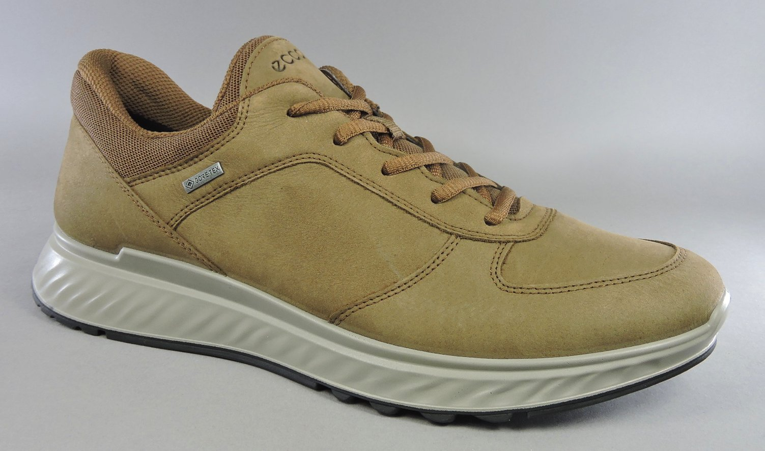 Ecco Exostride Leather